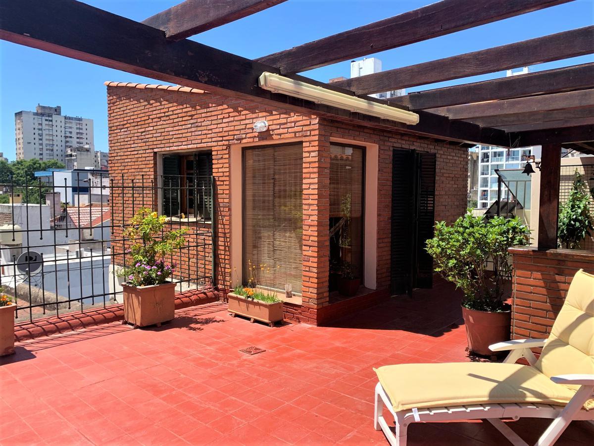 Foto Casa en Venta en  Macrocentro,  Rosario  Santa Fe 2357 PA