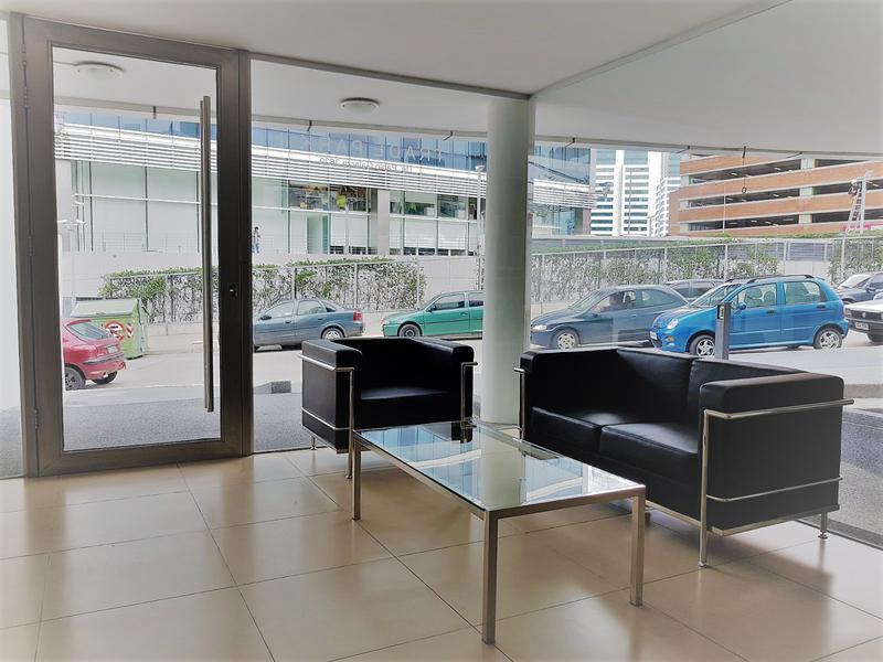 Foto Oficina en Alquiler en  Puerto Buceo ,  Montevideo          Excelente oficina - Saldanha da Gama - Frente al WTC y Montevideo Shopping