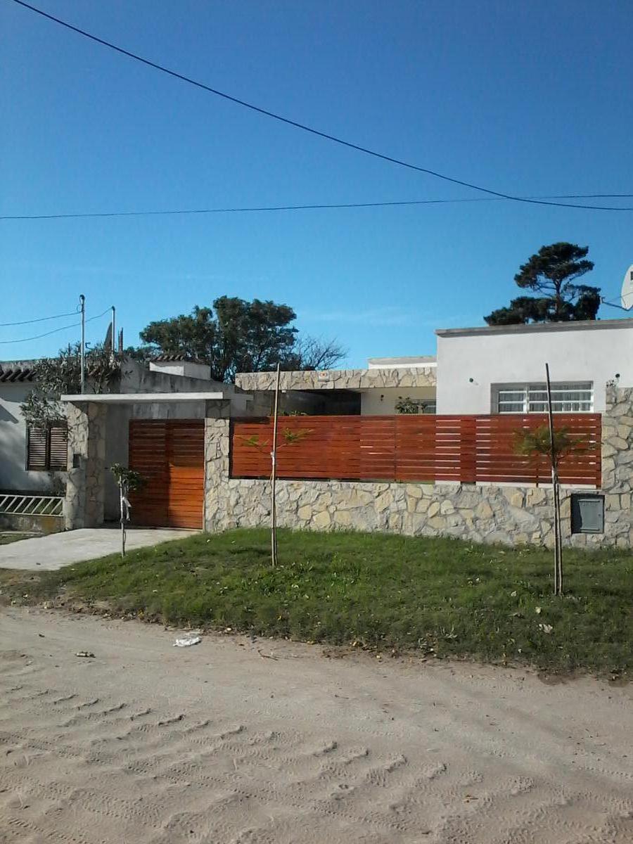 Foto Casa en Alquiler en  San Clemente Del Tuyu ,  Costa Atlantica  CALLE 8  al 2536