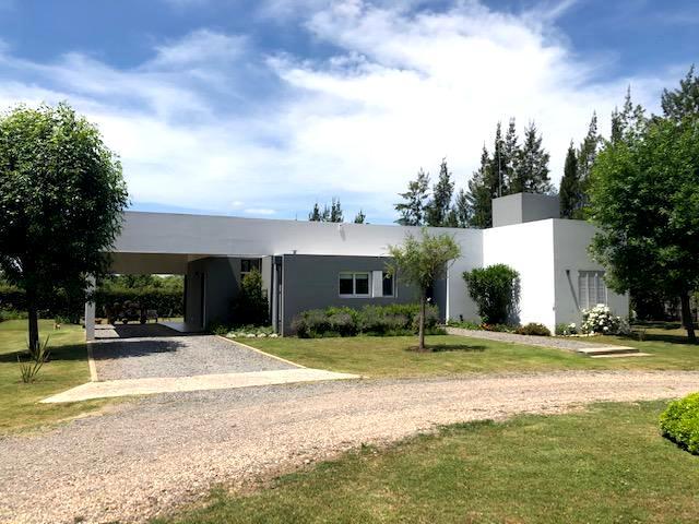 Foto Casa en Venta en  Lujan ,  G.B.A. Zona Oeste  Las Cortaderas