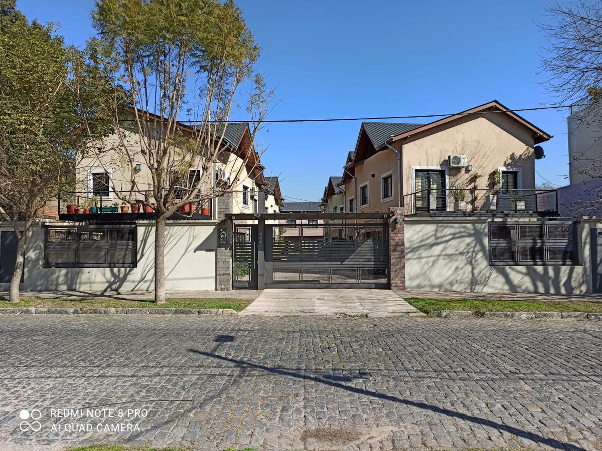 Foto Casa en Venta en  Adrogue,  Almirante Brown  Somellera 392