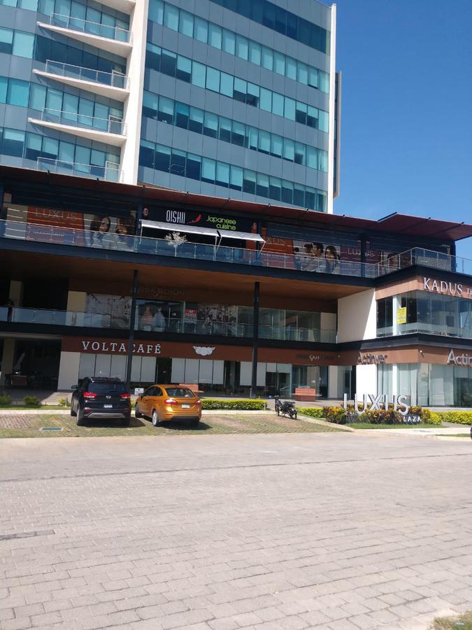 Foto Oficina en Renta en  Fraccionamiento Altabrisa,  Mérida  Local en renta en Merida, Plaza Luxus  en la zona de Altabrisa