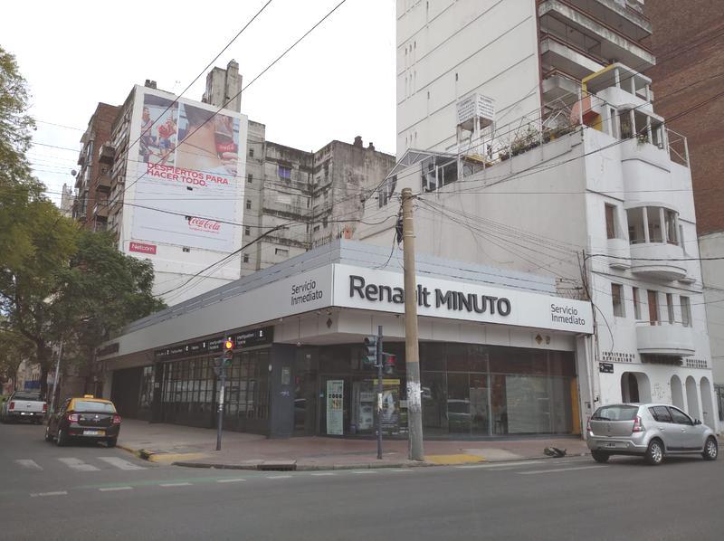 Foto Local en Alquiler en  Rosario,  Rosario  Corrientes 1100