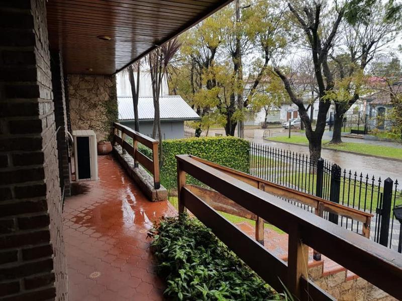 Foto Casa en Venta en  Monte Grande,  Esteban Echeverria  Rivadavia al 200