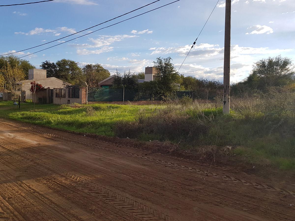 Foto Terreno en Venta en  Toay ,  La Pampa  Rivadavia al 800