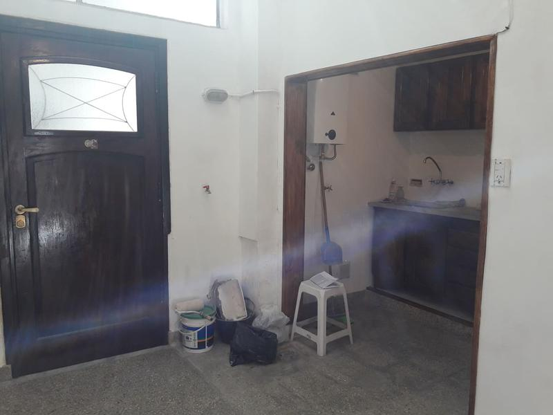 Foto PH en Venta en  Monserrat,  Centro (Capital Federal)  Hipólito Yrigoyen al 1400