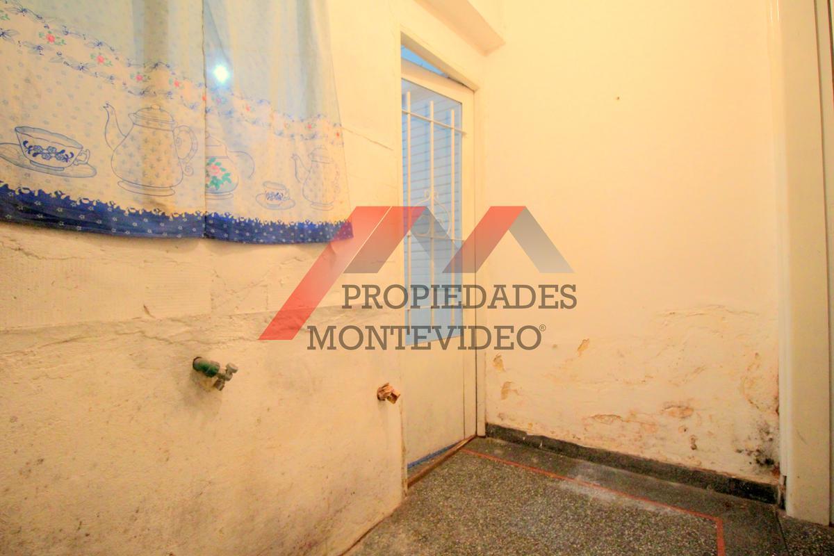 Foto Casa en Venta en  Buceo ,  Montevideo  Buceo, José María Delgado al 1800