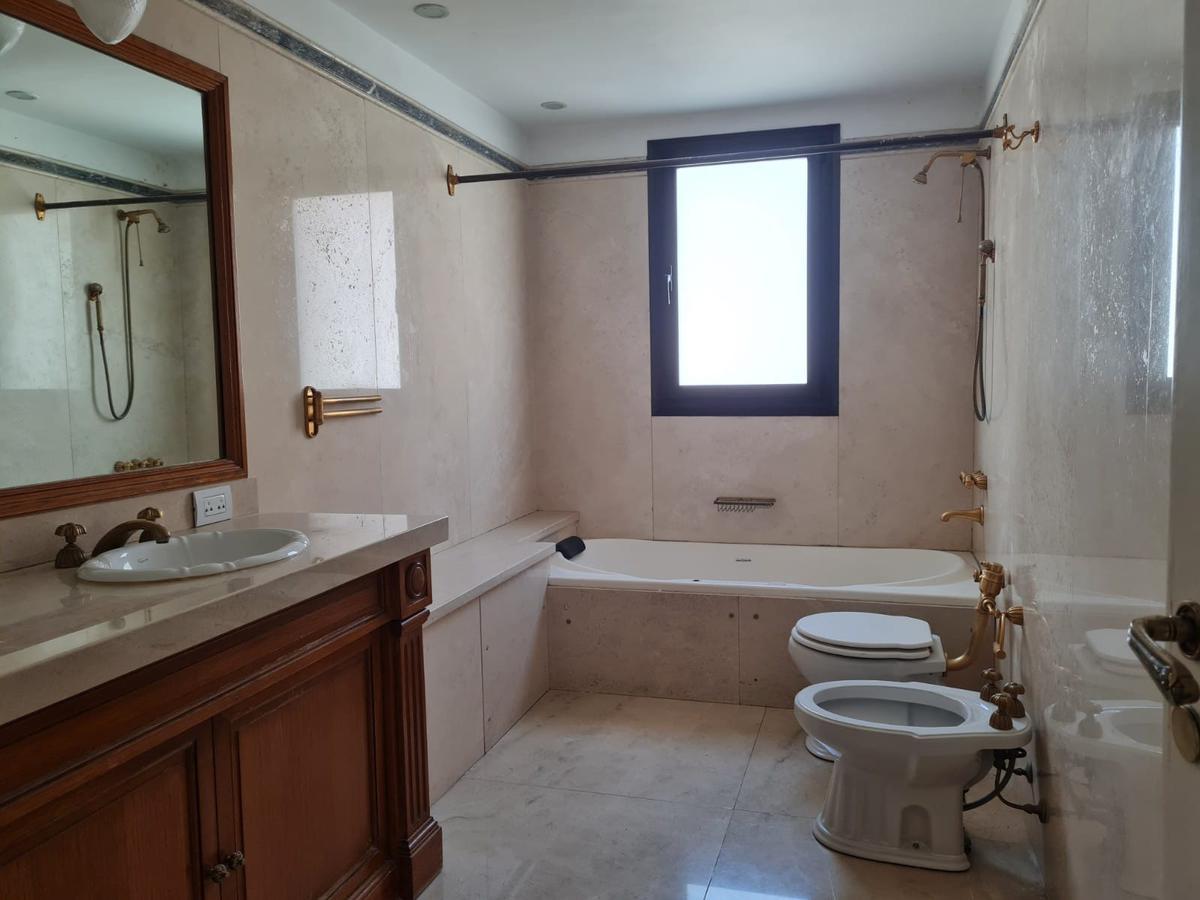 Foto Departamento en Alquiler en  Palermo Chico,  Palermo  Av.Libertador  al 2700