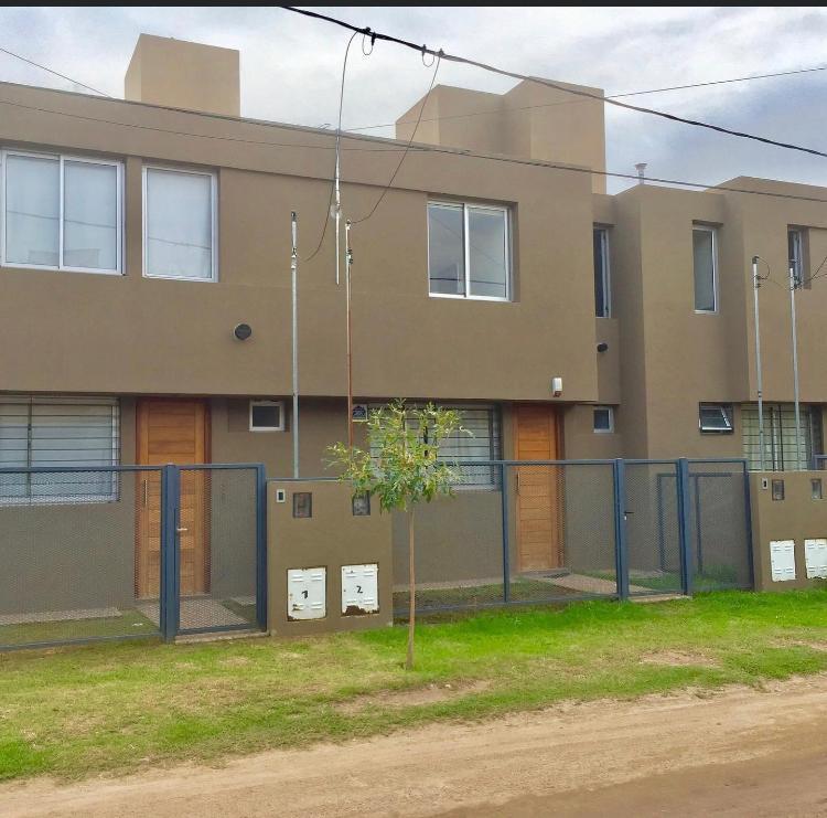 Foto Casa en Venta en  El Refugio,  Cordoba  Daniel Conci al 800