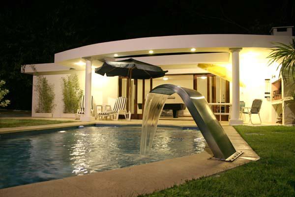 Foto Casa en Venta en  Playa Mansa,  Punta del Este          Excelente Casa Ubicada  a Metros de Playa Mansa