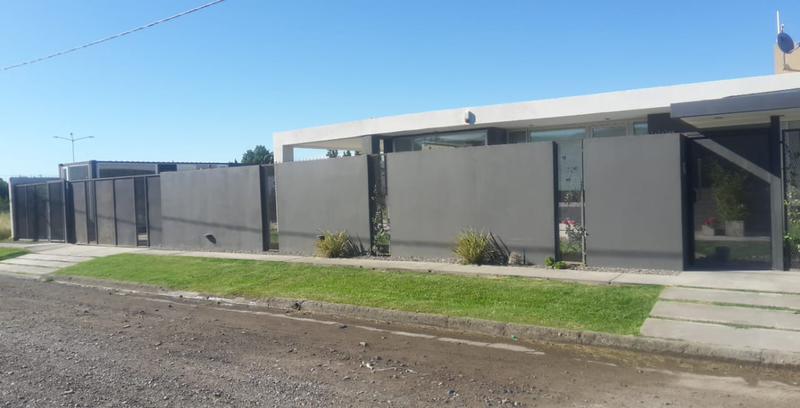 Foto Casa en Venta en  Villa Regina,  General Roca  CASA EN B°DON FRANCISCO-V.R