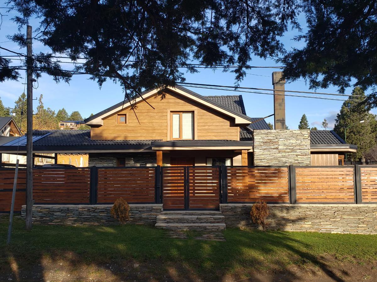 Foto Casa en Venta en  San Carlos De Bariloche,  Bariloche  Aldea del Este