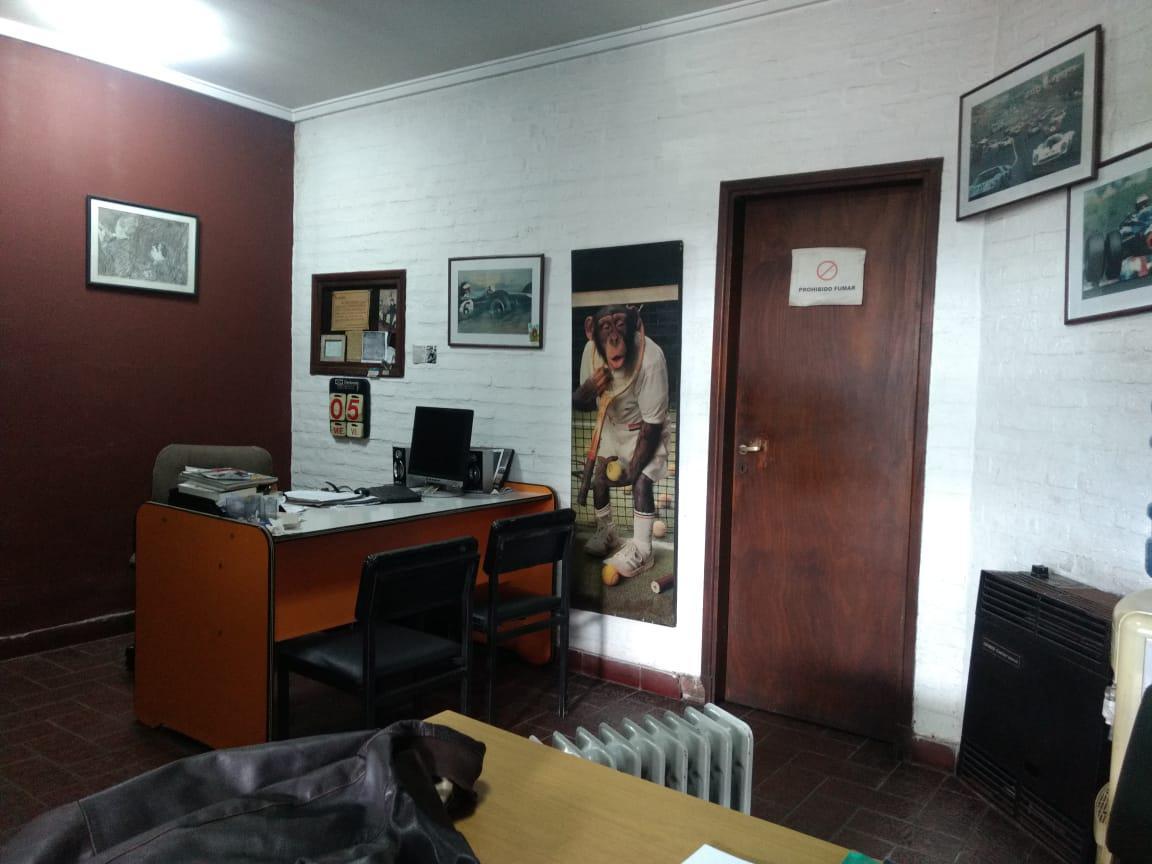 Foto Local en Venta | Alquiler en  General Pueyrredon ,  Interior Buenos Aires  Local a la calle Luro 4836
