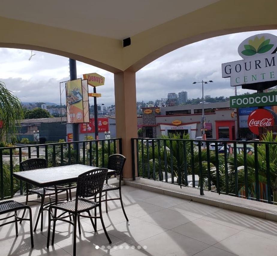 Foto Local en Renta en  Tegucigalpa ,  Francisco Morazán  Local comercial en foodcourt de Los Próceres, Tegucigalpa