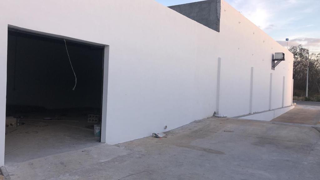 Foto Bodega Industrial en Renta en  Pueblo Tixcacal Opichen,  Mérida  Bodega Industrial con anden de descarga comun, oficinas, camaras de seguridad y acceso por el Periferico las 24 horas