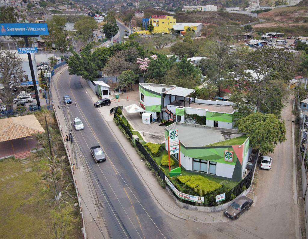 Foto Local en Renta en  Residencial Honduras,  Tegucigalpa  Local Comercial en Renta final de Blvd Kennedy