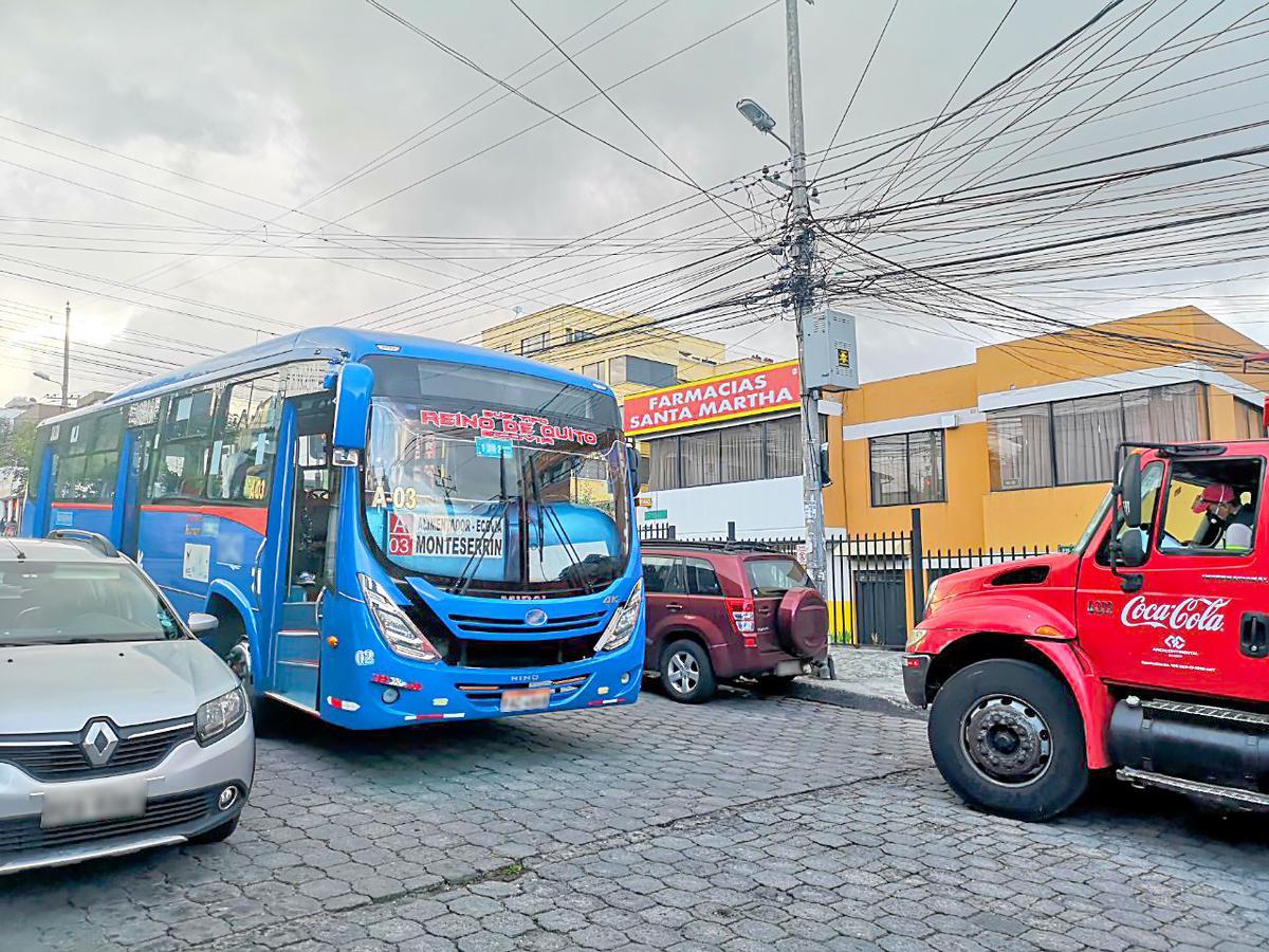 Foto Departamento en Alquiler en  Norte de Quito,  Quito  Departamento de Arriendo Monteserrín - Norte de Quito