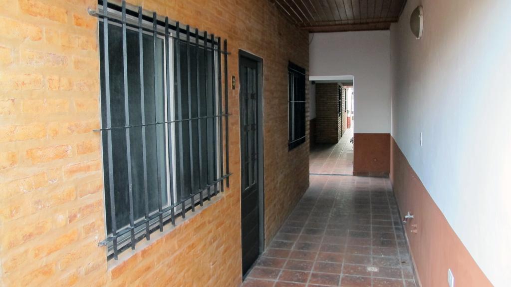 Foto Departamento en Alquiler en  Esc.-Centro,  Belen De Escobar  HIPOLITO YRIGOYEN Nº 223