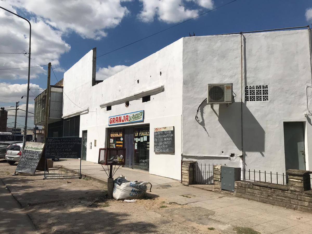 Foto Local en Venta en  San Miguel ,  G.B.A. Zona Norte  Primera Junta al 1200