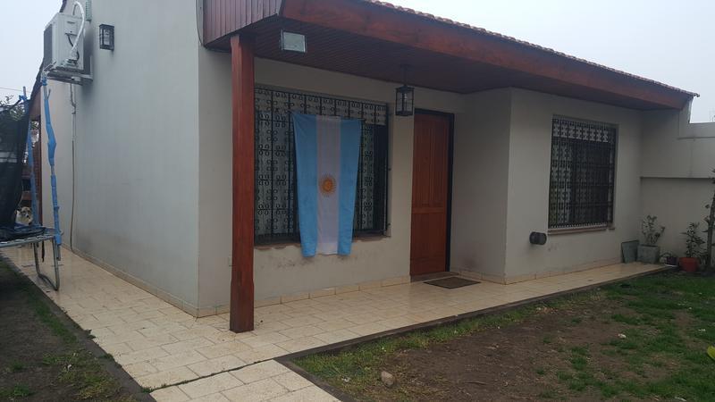 Foto Casa en Venta en  Moron Sur,  Moron  Lanus 2552. Moron