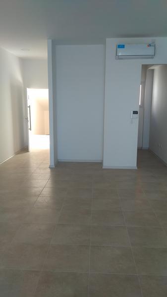 Foto Oficina en Alquiler en  Capital ,  Neuquen  Leguizamon al 200