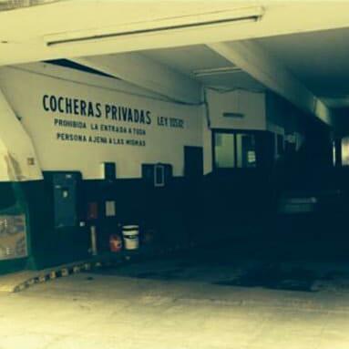 Foto Cochera en Venta en  Las Cañitas,  Palermo  Migueletes 700