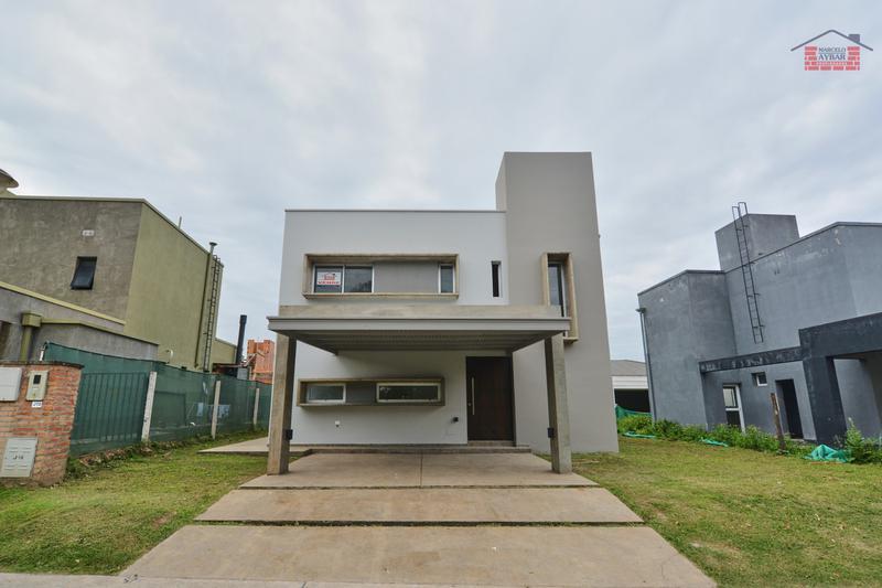 Foto Casa en Venta en  Yerba Buena ,  Tucumán  Alto Verde 2