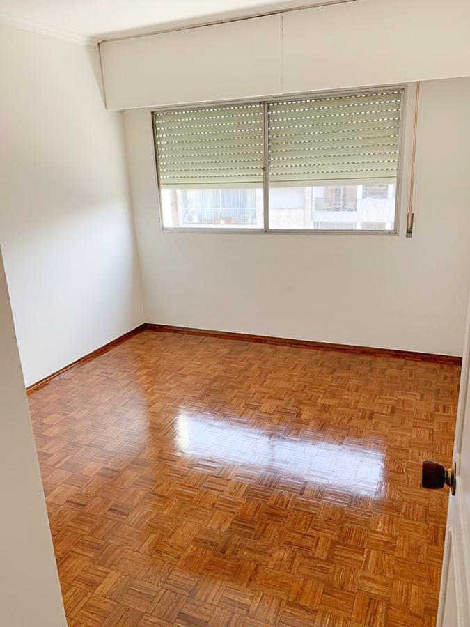 Foto Apartamento en Alquiler en  Pocitos ,  Montevideo  Miguel Barreiro al 3200