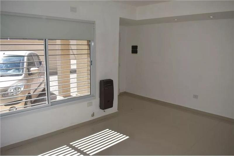 Foto Casa en Venta en  Canning,  Ezeiza  Hermoso Duplex cerca de Las Toscas