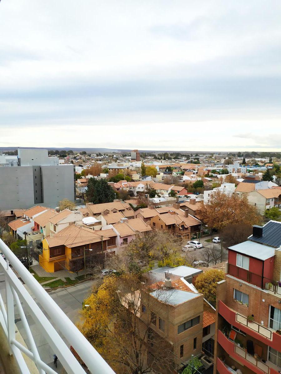 Foto Departamento en Venta en  Capital ,  Neuquen  Roca y Santa Maria