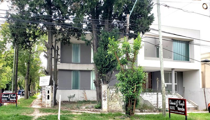 Foto Casa en Venta en  Castelar Norte,  Castelar  Crisologo Larralde al 3000