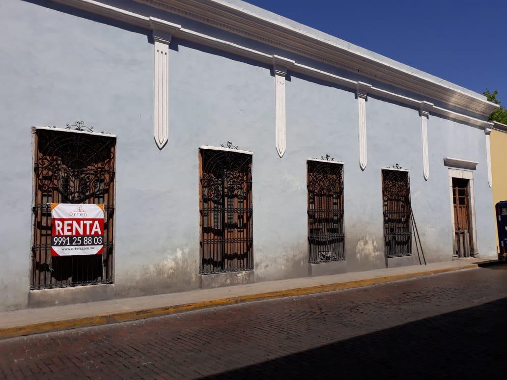 Foto Casa en Renta en  Mérida Centro,  Mérida  casa en renta en el centro de mérida a un costado del Parque de Santa Lucia. Para Remodelar ideal para Hotel Boutique