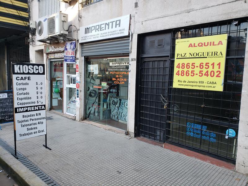 Foto Local en Alquiler en  Almagro ,  Capital Federal  Bartolomé Mitre 3870