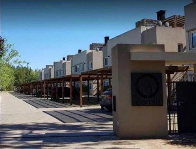 Foto PH en Venta en  Haras Del Sur,  Countries/B.Cerrado (La Plata)  Duplex  Casa  - Departamento en Haras del Sur 1