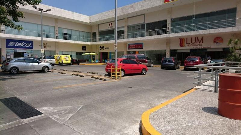 Foto Local en Renta en  Lomas de Tetela,  Cuernavaca  Renta Local Comercial Av. Calzada de Los Reyes