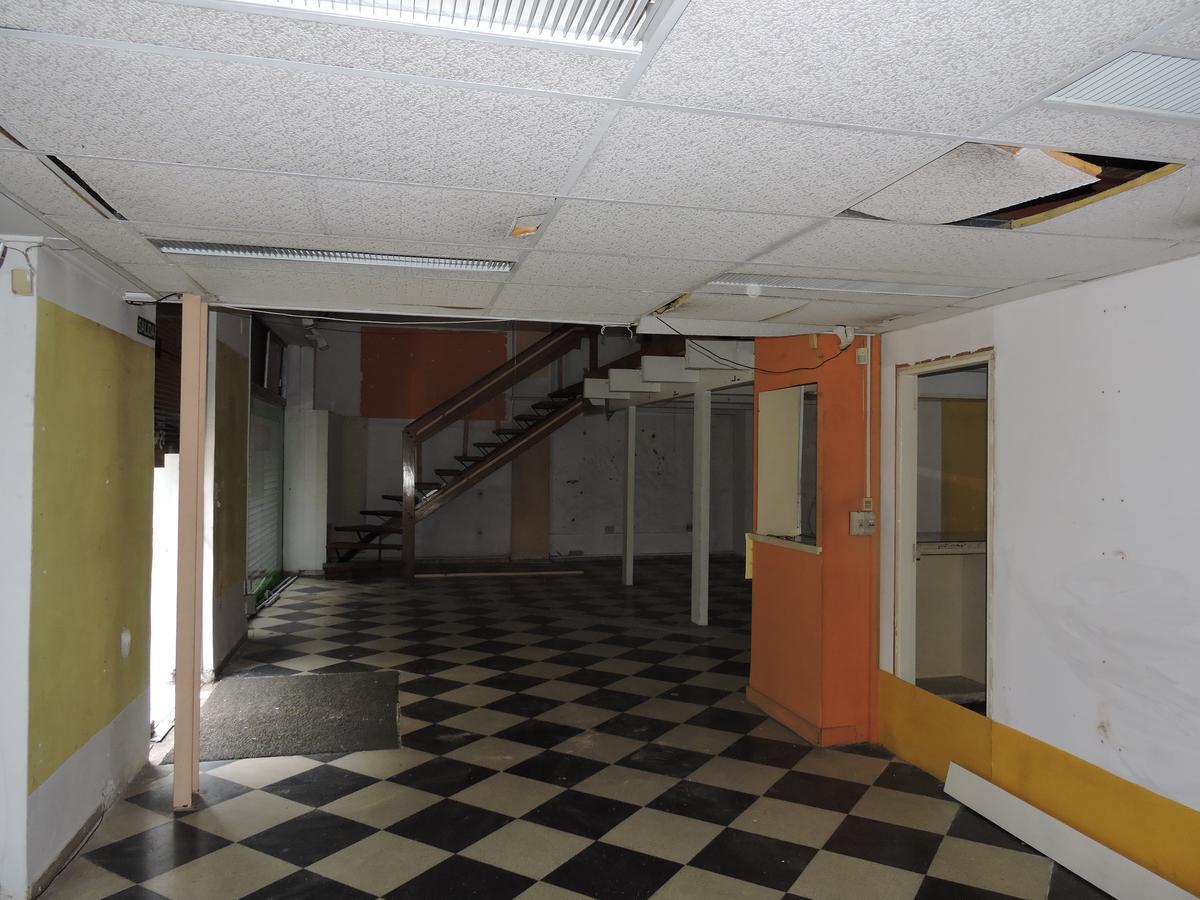 Foto Local en Alquiler en  Centro (Montevideo),  Montevideo  Local comercial 230 m2 - 18 de Julio y Julio Herrera y Obes