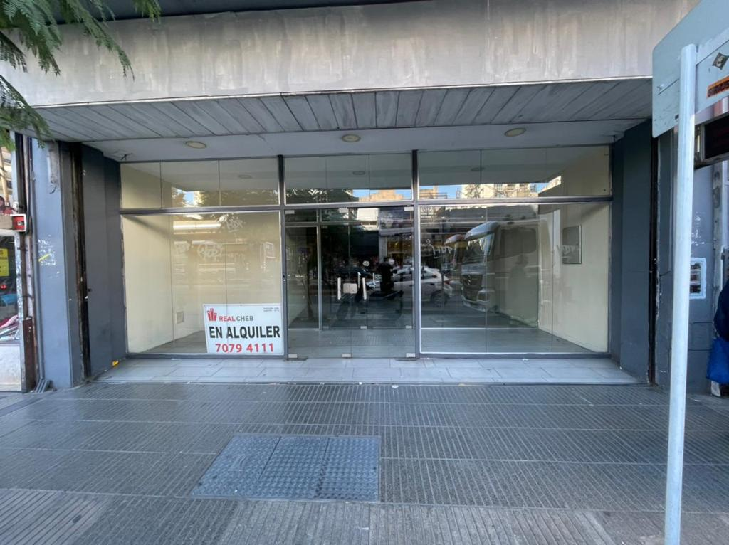 Foto Local en Alquiler en  Belgrano ,  Capital Federal  Av. Cabildo al 2300