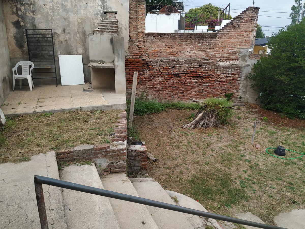 Foto Casa en Venta en  Villa Cabrera,  Cordoba Capital  Oportunidad de Inversión en Villa Cabrera