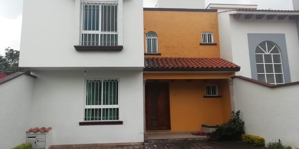 Foto Casa en Renta en  Campo Viejo,  Coatepec  PRECIOSA CASA GRANDE EN RENTA EN FRACC. PRIVADO EN COATEPEC, VER