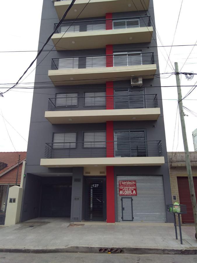 Foto Local en Alquiler en  Wilde,  Avellaneda  Corvalan al 100