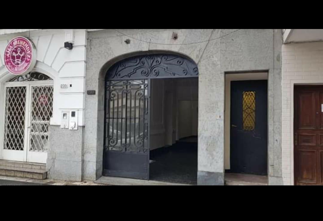 Foto Local en Alquiler en  San Miguel De Tucumán,  Capital  avenida mitre al 200