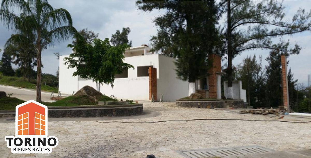 Foto Terreno en Venta en  Pueblo El Lencero,  Emiliano Zapata  TERRENO DE $2,500 EL METRO CUADRADO, TODOS LOS SERVICIOS, DENTRO DE FRACCIONAMIENTO