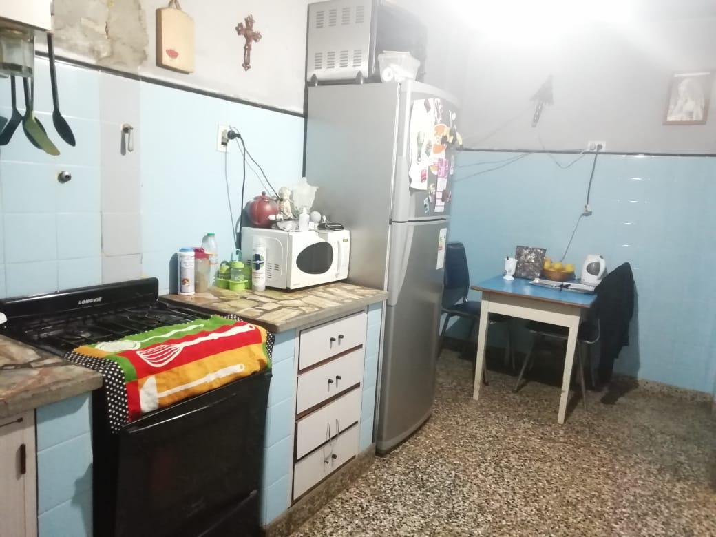 Foto PH en Venta en  San Justo,  La Matanza  Thames al 4300