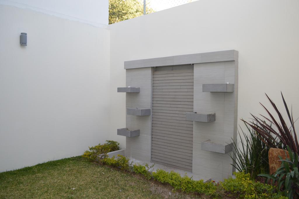 Foto Casa en Venta en  Fraccionamiento Los Almendros,  Zapopan  Av. Río Blanco 1676 - 156, Los Almendros, Zapopan, Jalisco