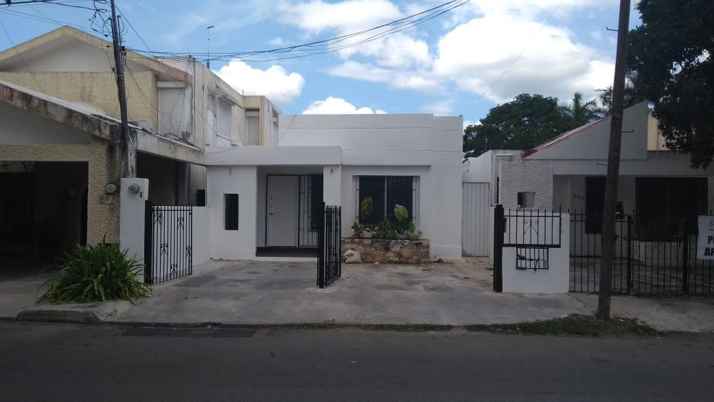 Foto Local en Renta en  Fraccionamiento Los Pinos,  Mérida  Consultorios en renta sobre la avenida Los Pinos, en Merida Yucatan