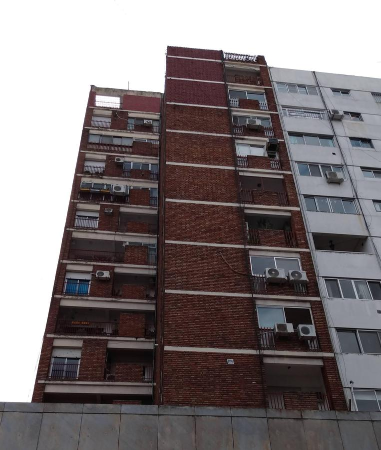 Foto Departamento en Venta en  Zona Centro,  Rosario  2 dormitorios -- Urquiza 1362 10-04 -- 77m2