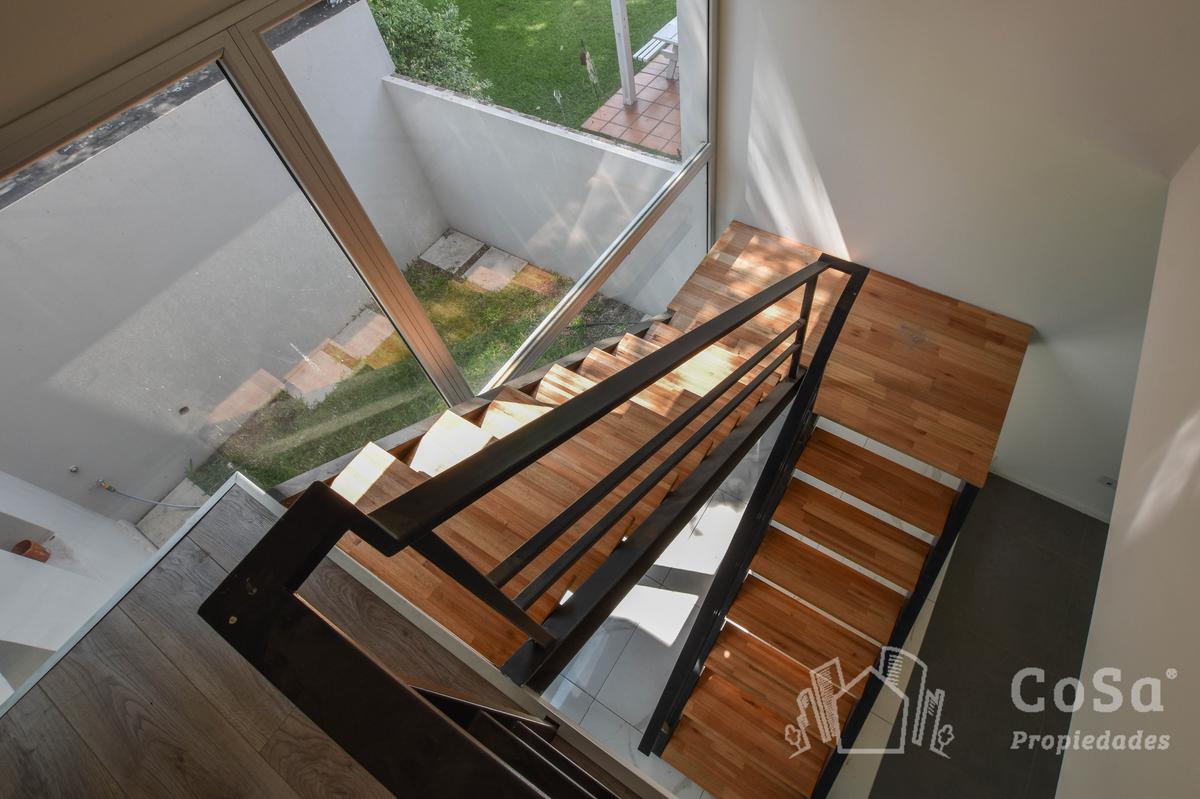 Foto Casa en Venta en  Fisherton,  Rosario  Joaquín Lagos 8367 B