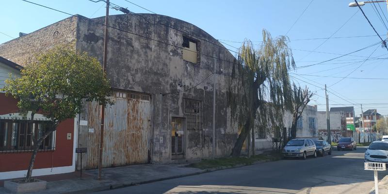Foto Galpón en Venta en  Piñeyro,  Avellaneda  PARAGUAY al 600