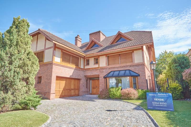 Foto Casa en Venta en  San Isidro Chico,  Countries/B.Cerrado (San Isidro)  San Isidro Chico Blvd. Aguaribay