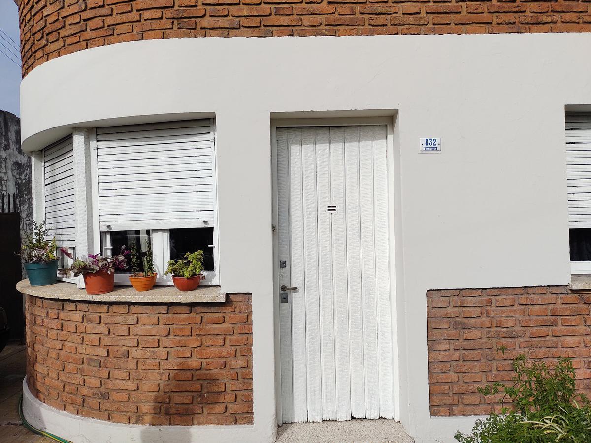Foto Casa en Venta en  Pilar,  Pilar  VENTA PARA EMPRENDIMIENTO